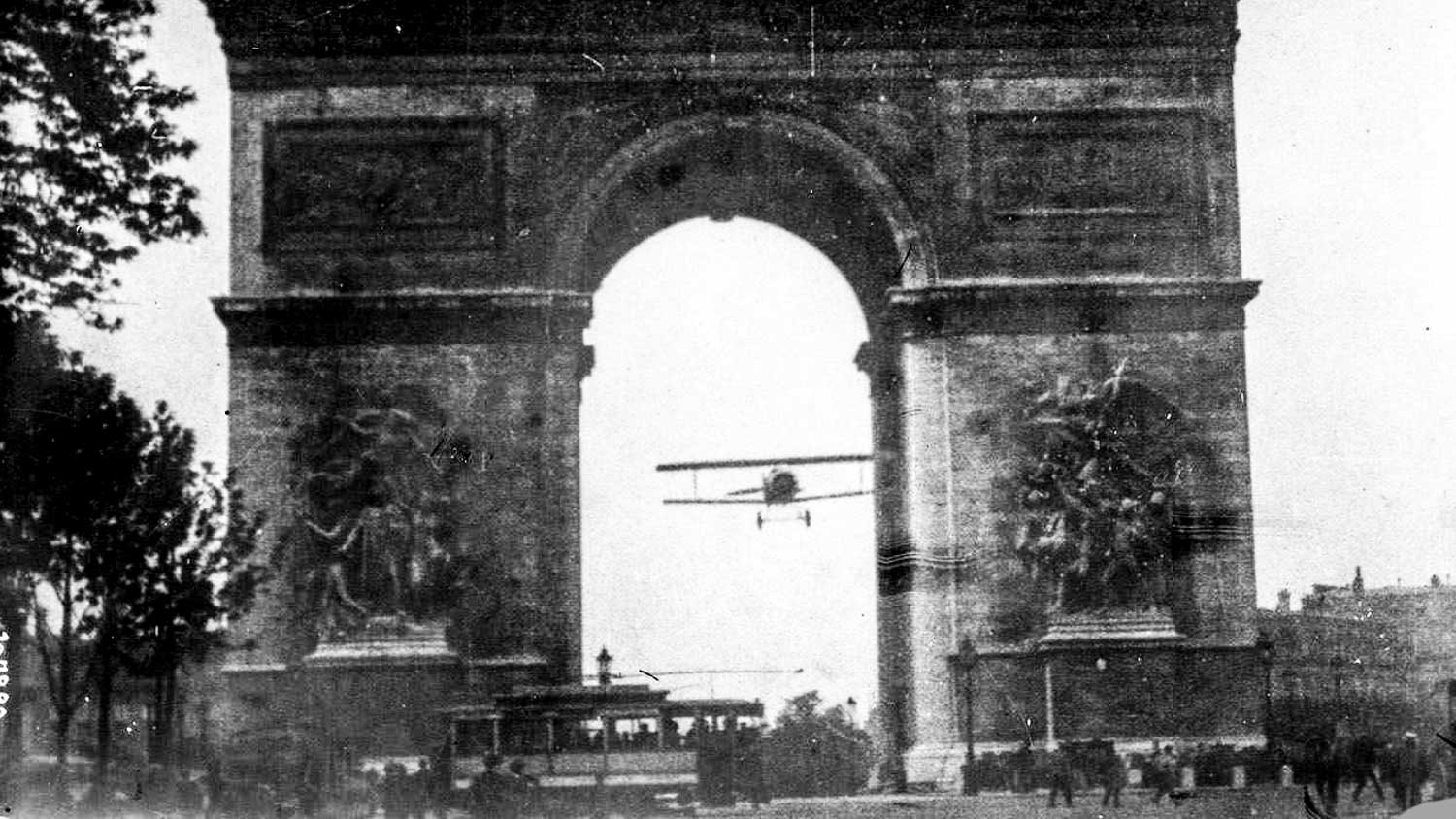 A plane was flown through it in 1919!