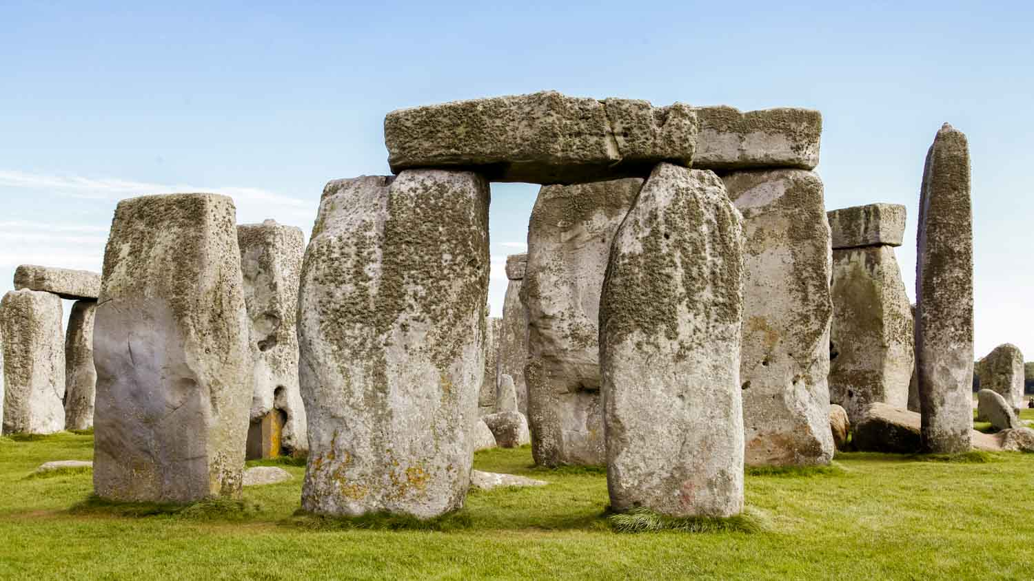 stonehenge radiocarbon dating The new radiocarbon dating also raises questions about a theory advanced by archaeologist mike parker pearson of the university of sheffield, who has long suggested that stonehenge was a massive .