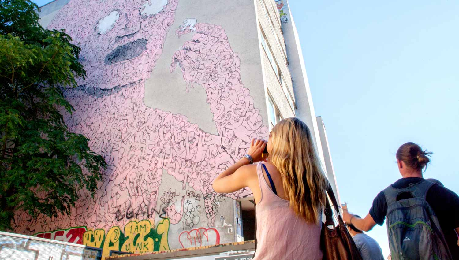 Enjoy graffiti in a totally new way