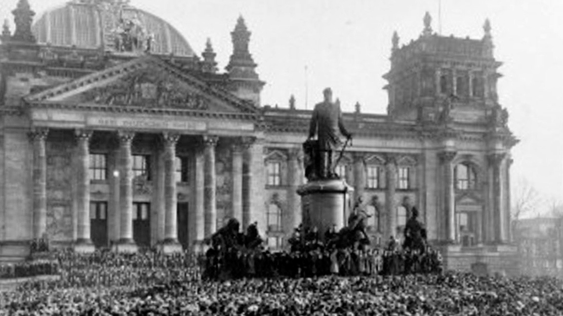 the reasons behind the fall of the weimar republic The collapse of the weimar republic and the emergence of the  its lessons are  as relevant today as ever – and not just for countries with.