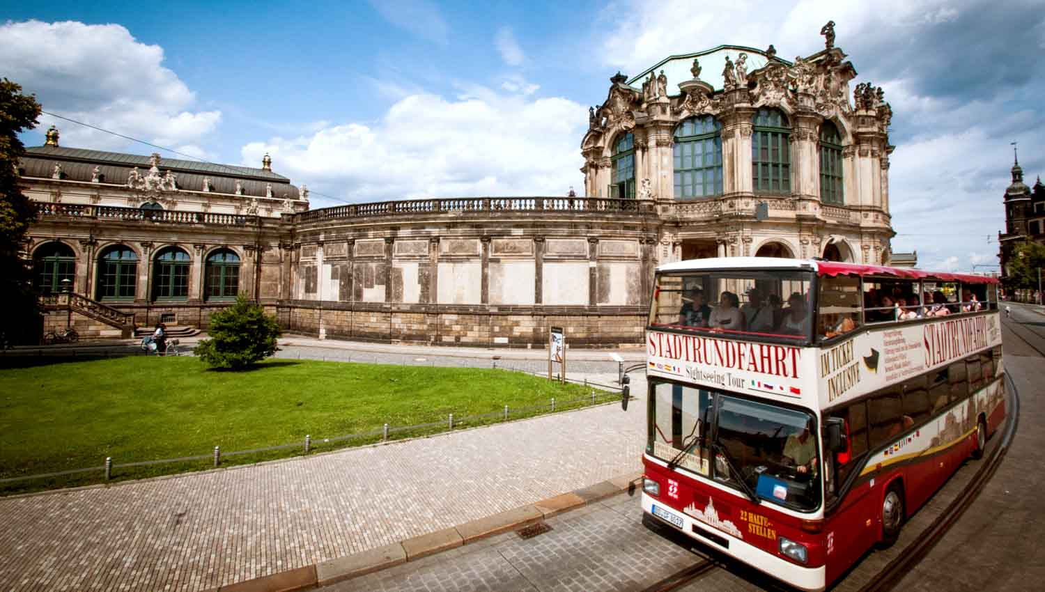 dresden bus minivan tours getyourguide. Black Bedroom Furniture Sets. Home Design Ideas