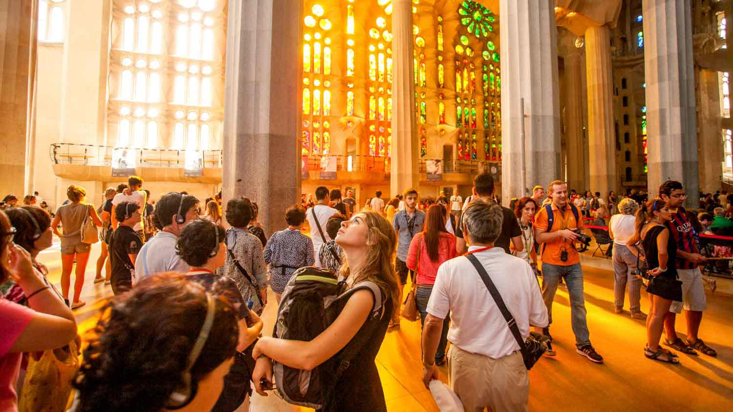Sagrada familia book tickets tours getyourguide for Barcelona famila