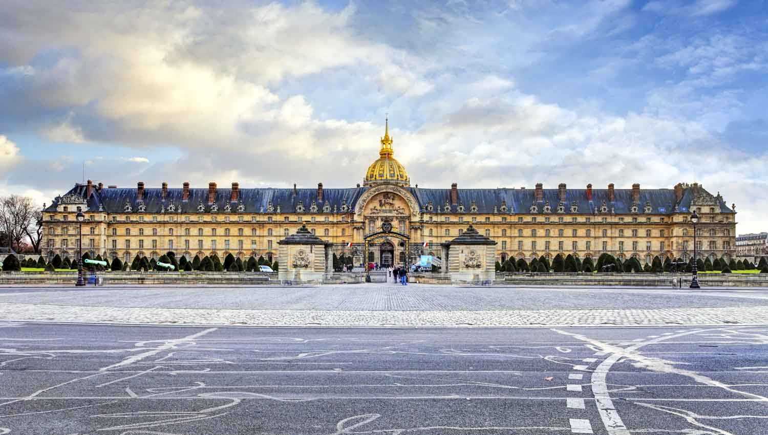 Paris Hop-on Hop-off Tours | GetYourGuide