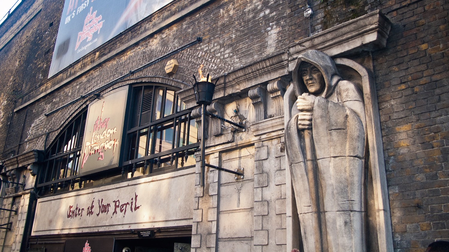 the london dungeon The latest tweets from london dungeon (@dungeon_london): the london dungeon is now tweeting from @londondungeon see you there, traitors.