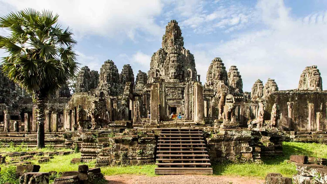 Angkor wat siem reap book tickets tours for Wat architecture