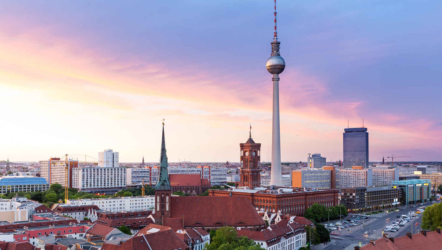 Berliner Platz 2 L Sungen alexanderplatz berlin book tours getyourguide
