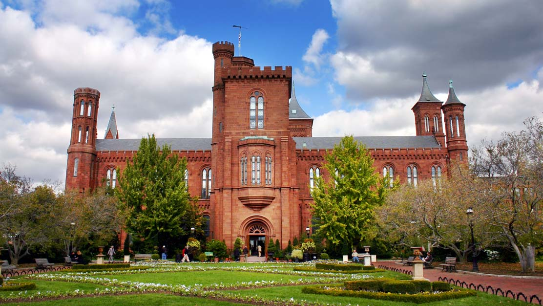 Le Smithsonian Institution Building